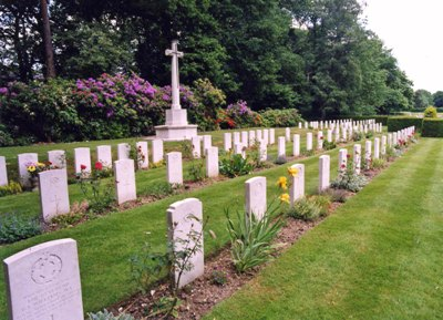 Commonwealth War Graves Hollybrook Cemetery