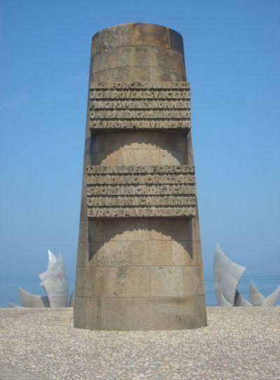 Memorial Omaha Beach - Saint-Laurent-sur-Mer - TracesOfWar com