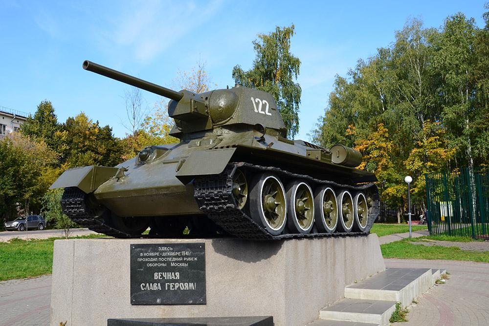 Laatste Verdedigingslinie Moskou - T-34/76 Tank