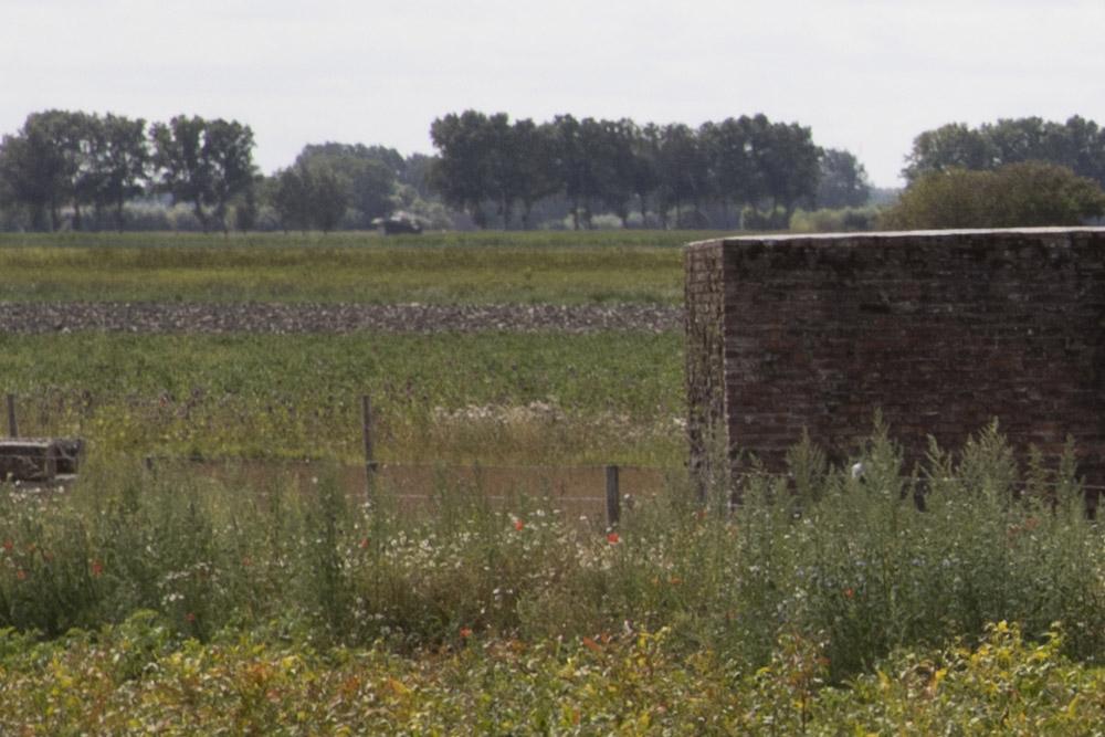 Stützpunkt Heinrich - Remains Wooden Watchtower