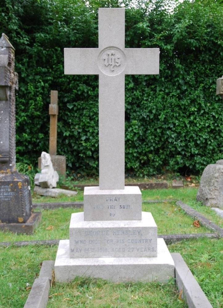 Commonwealth War Grave St. Saviour Roman Catholic Churchyard