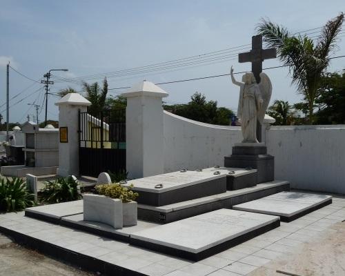 Grave Boy Ecury