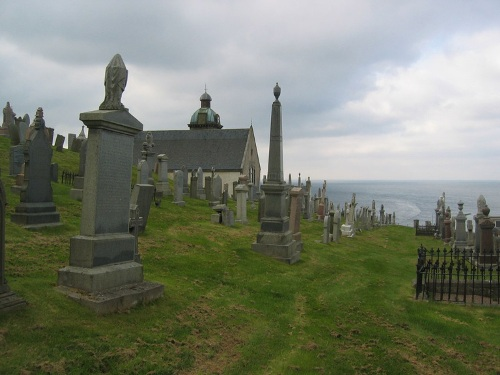 Commonwealth War Graves Macduff Parish Churchyard