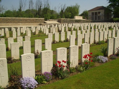 Commonwealth War Cemetery Croisilles
