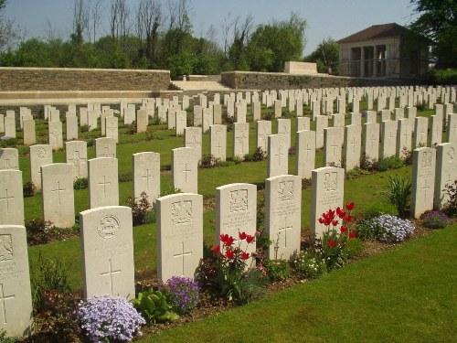 Oorlogsbegraafplaats van het Gemenebest Croisilles
