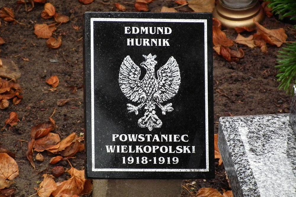 Graves War Veterans Jean-Mary Vianny Cemetery Poznan
