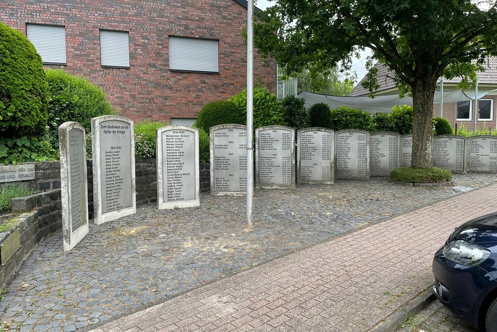 War Memorial Holtwick