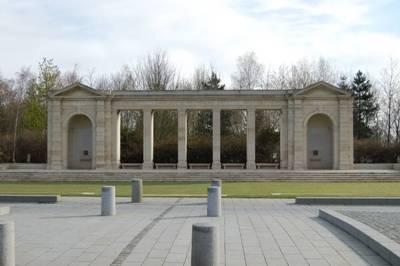 Monument der Vermisten van het Gemenebest Bayeux