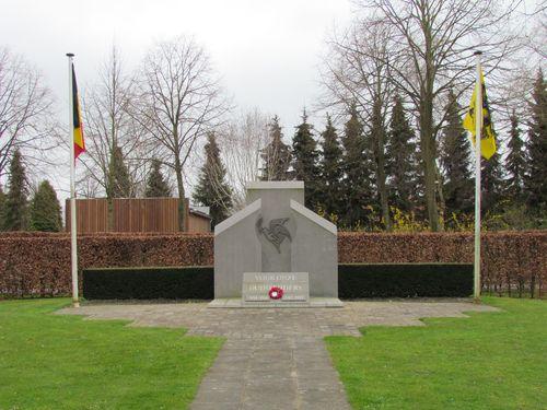 Memorial Belgian Veterans Municipal Cemetery Bruges