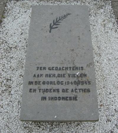 War Memorial Protestant Cemetery Lage Zwaluwe