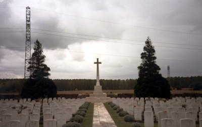Commonwealth War Cemetery Roye New