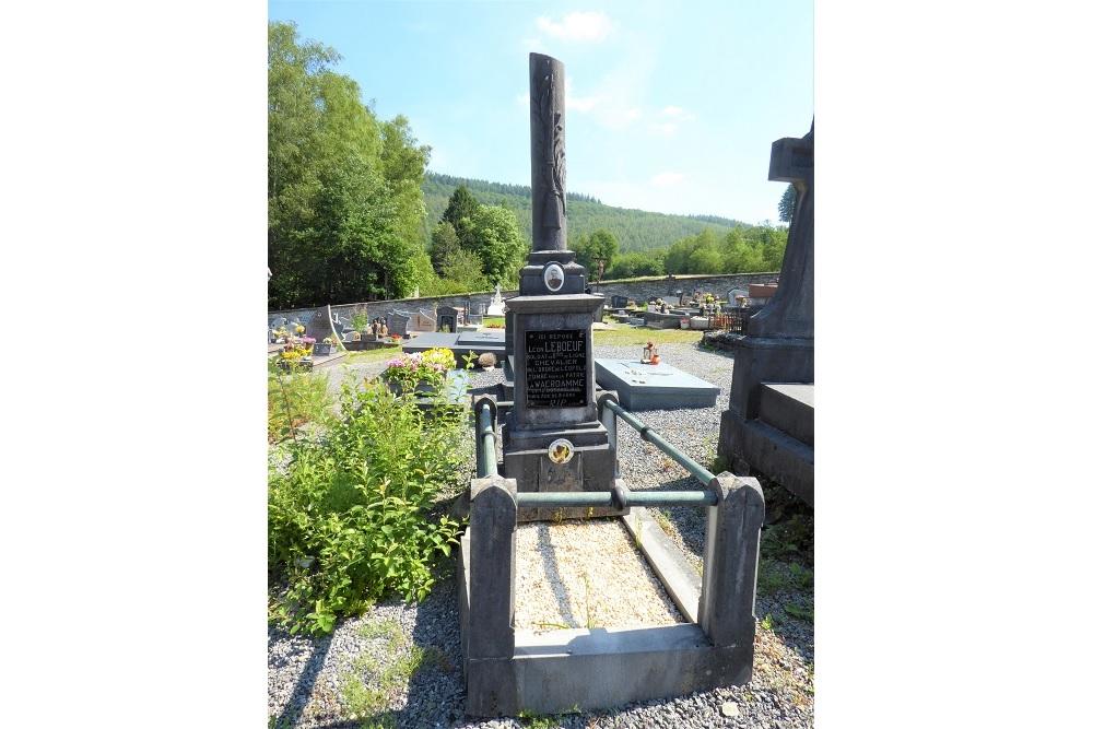 Belgische Oorlogsgraven Alle-sur-Semois