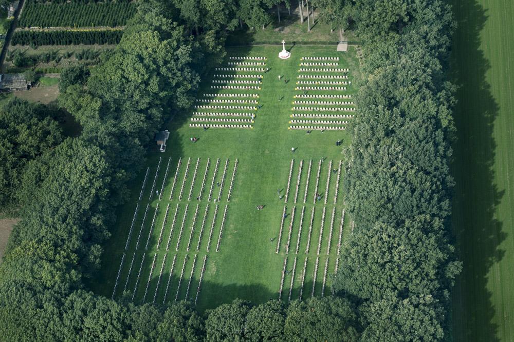 Oorlogsbegraafplaats van het Gemenebest Arnhem Oosterbeek