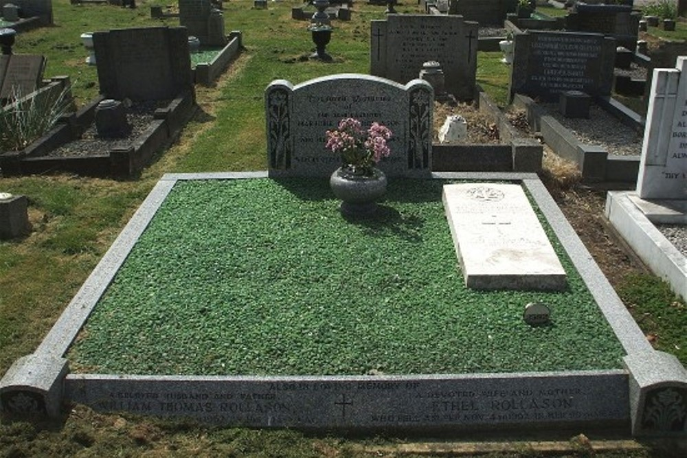 Commonwealth War Graves Wilnecote New Cemetery