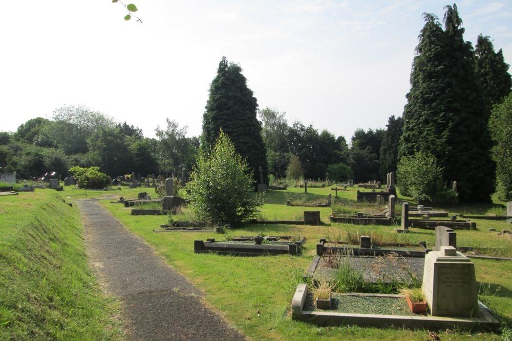 Commonwealth War Graves Hagley Cemetery