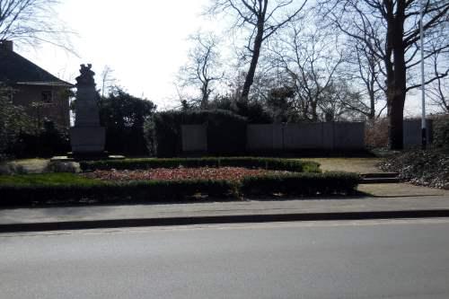 War Memorial Mehr