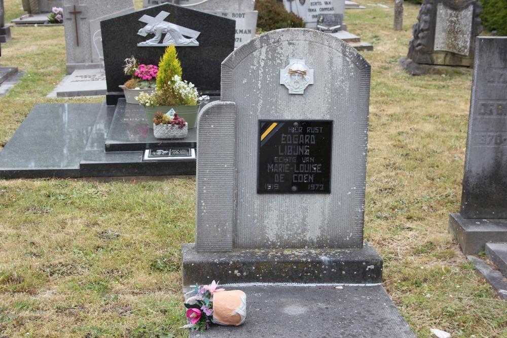 Veteran War Graves Appelterre