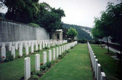 Commonwealth War Graves Genoa