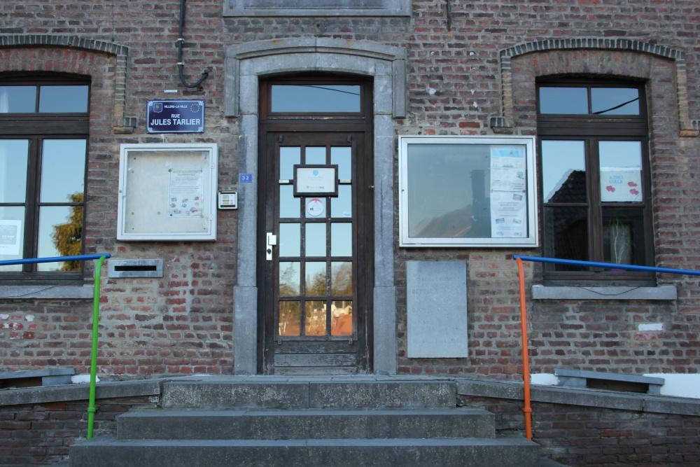 Gedenkplaat Geëxecuteerde Verzetsstrijders Villers-la-Ville