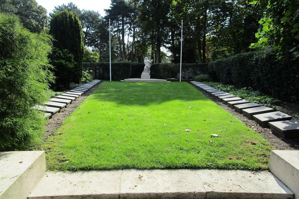 Graven Verzetsstrijders Algemene Begraafplaats Crooswijk