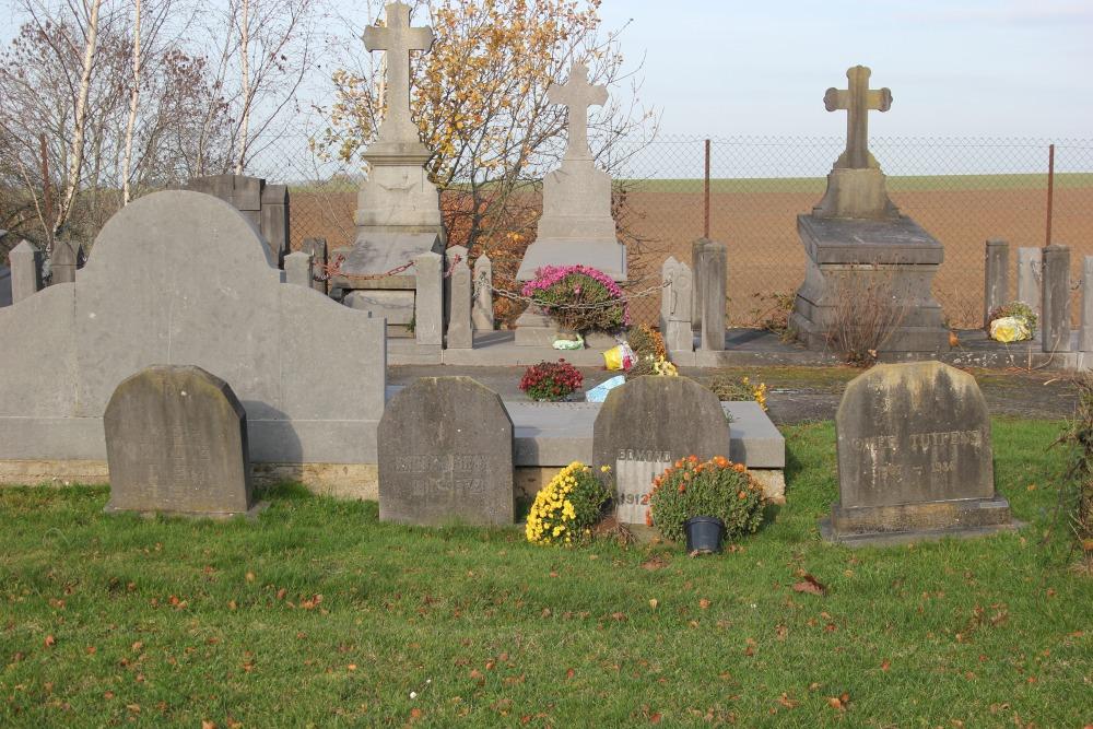 Veteran War Graves Thines
