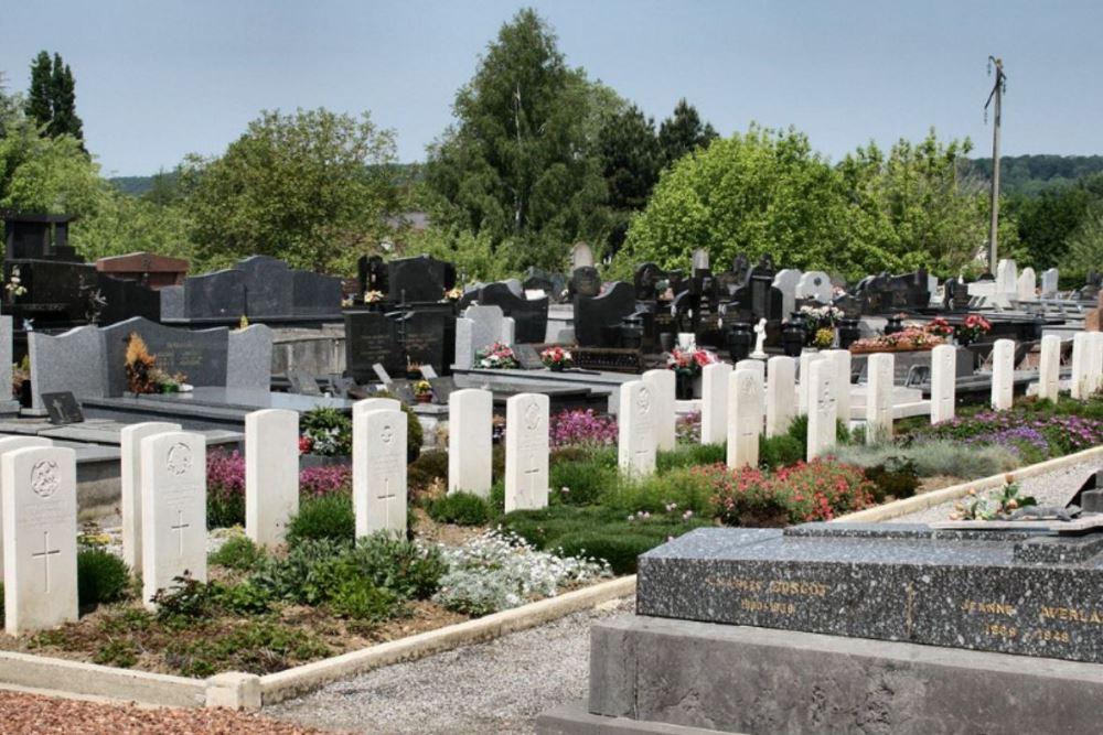 Oorlogsgraven van het Gemenebest Hesdin