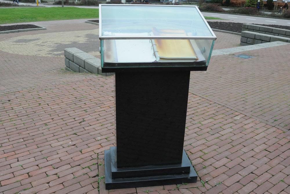 Gedenkboek Slachtoffers Ms Java 1942 Den Helder Den Helder
