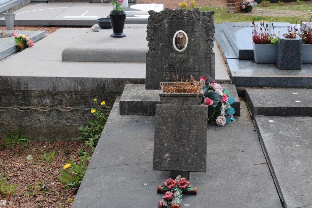 Graves Civilian Casualties Quevaucamps