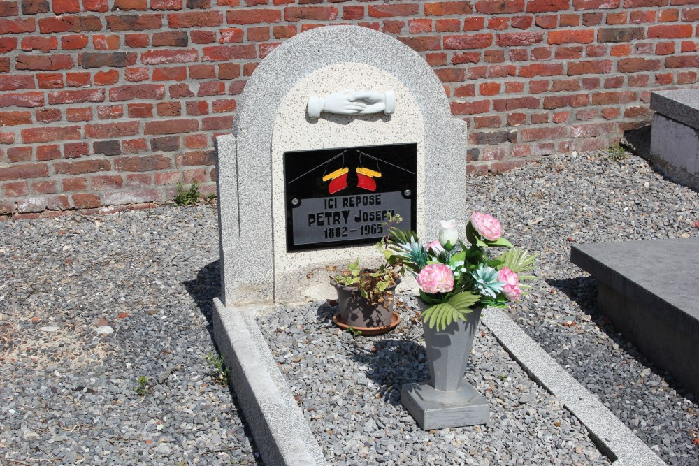 Veteran War Graves Lamine