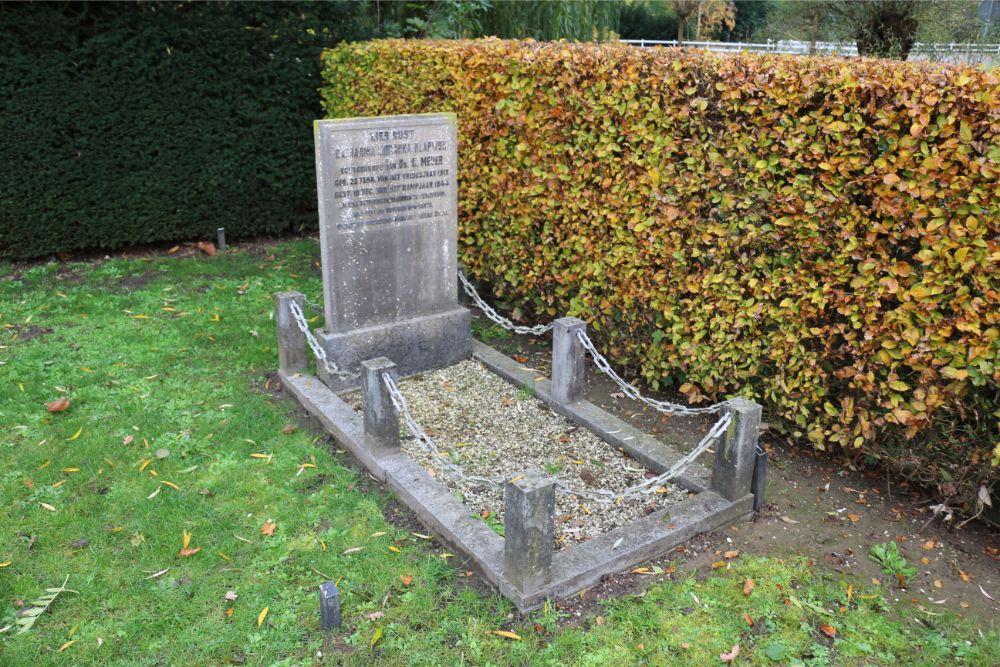 Grave Civil Victim Municipal Cemetery Zuilichem