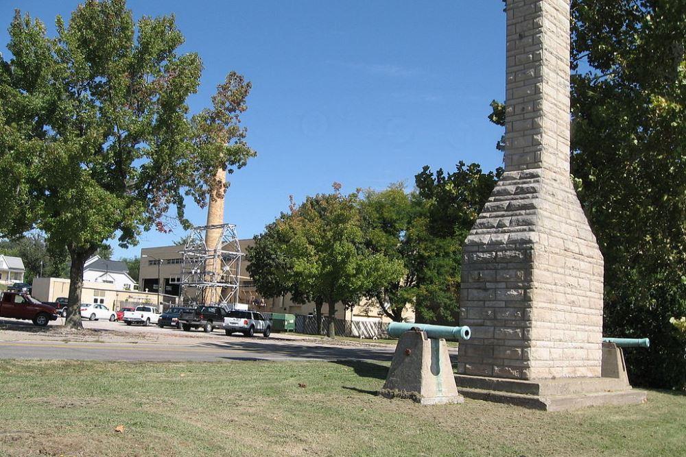 Monument Fort Madison