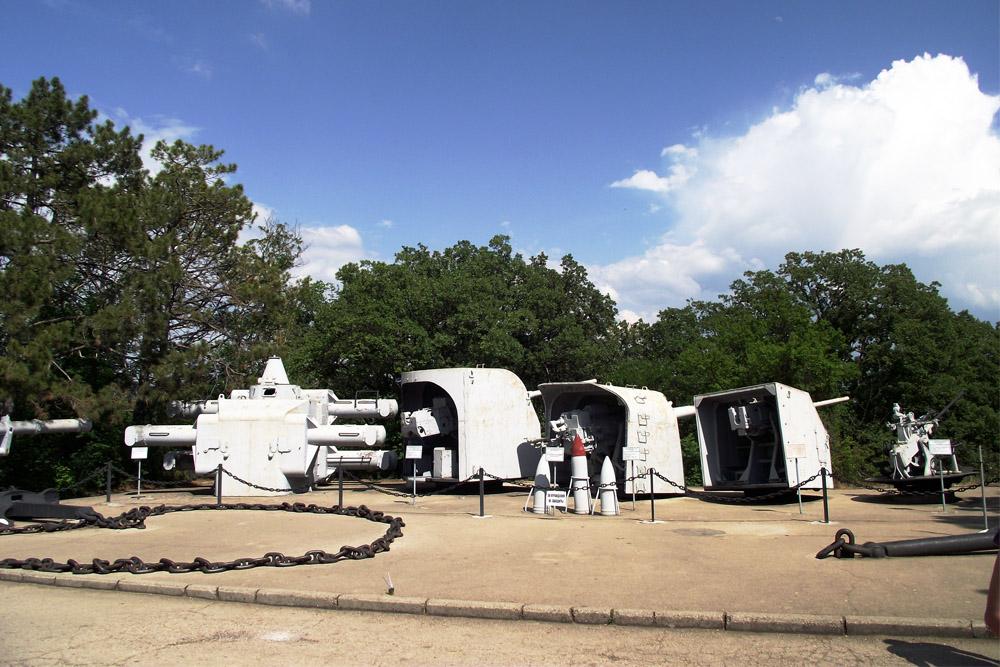 Open Air Display Naval Guns