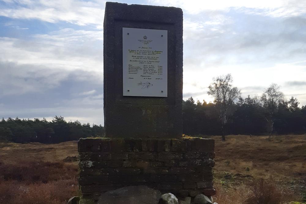 Memorial Halifax LV774