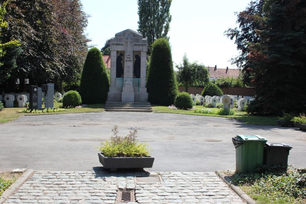 Roeselare Memorial Lawn