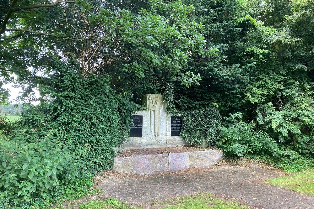 War Memorial Emen