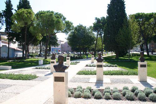 Bustes Titov Park Pula