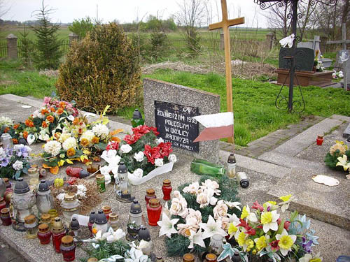 Mass Grave Polish Soldiers