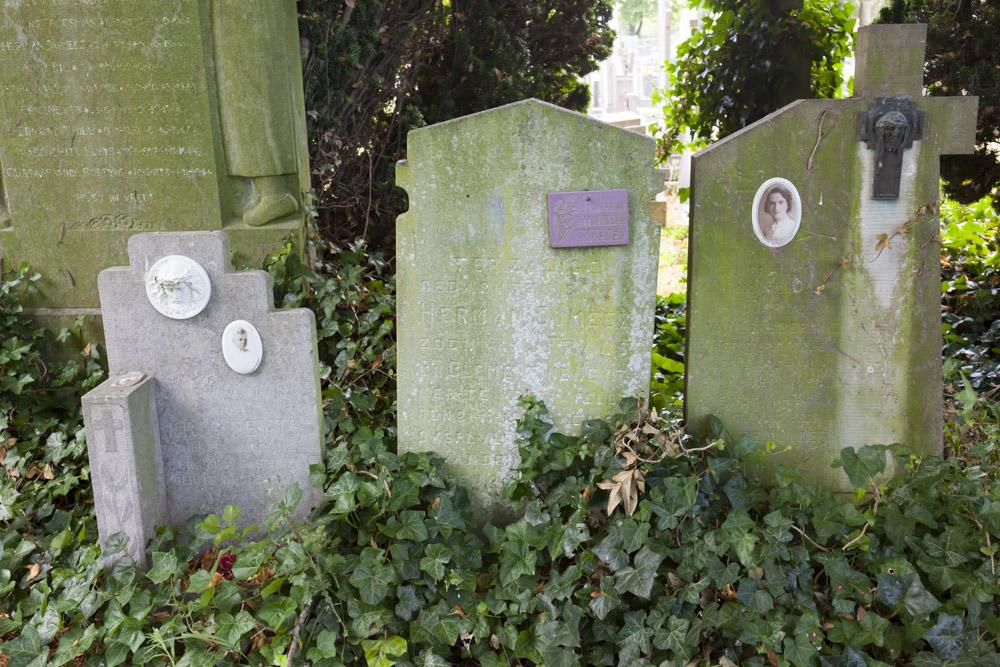 Belgische Oorlogsgraven Oude Begraafplaats Westkapelle