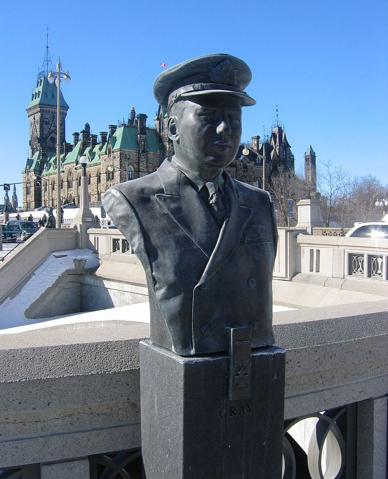Bust of Hampton Gray VC DSC