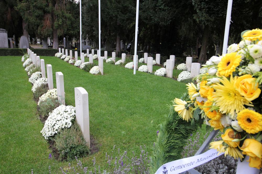 Oorlogsgraven van het Gemenebest Algemene Begraafplaats Maastricht