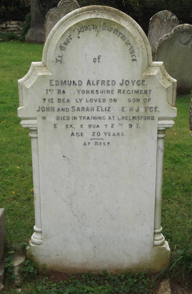 Commonwealth War Graves Morcott Church Cemetery
