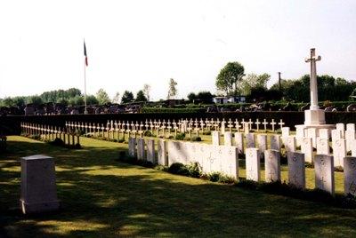 Oorlogsgraven van het Gemenebest Avesnes-sur-Helpe