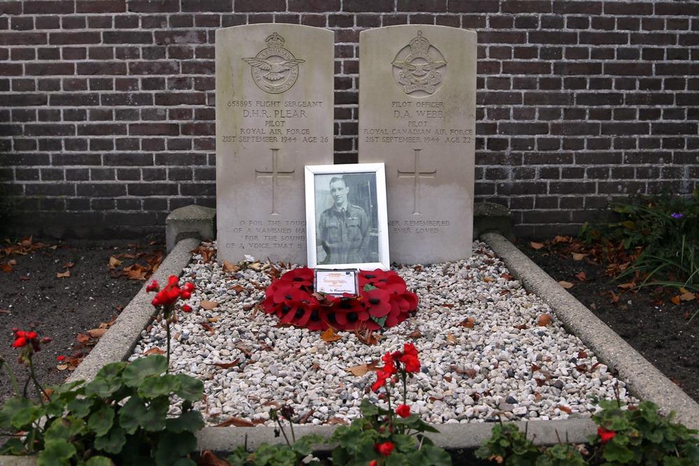 Oorlogsgraven van het Gemenebest Rooms Katholieke Kerkhof Zeeland