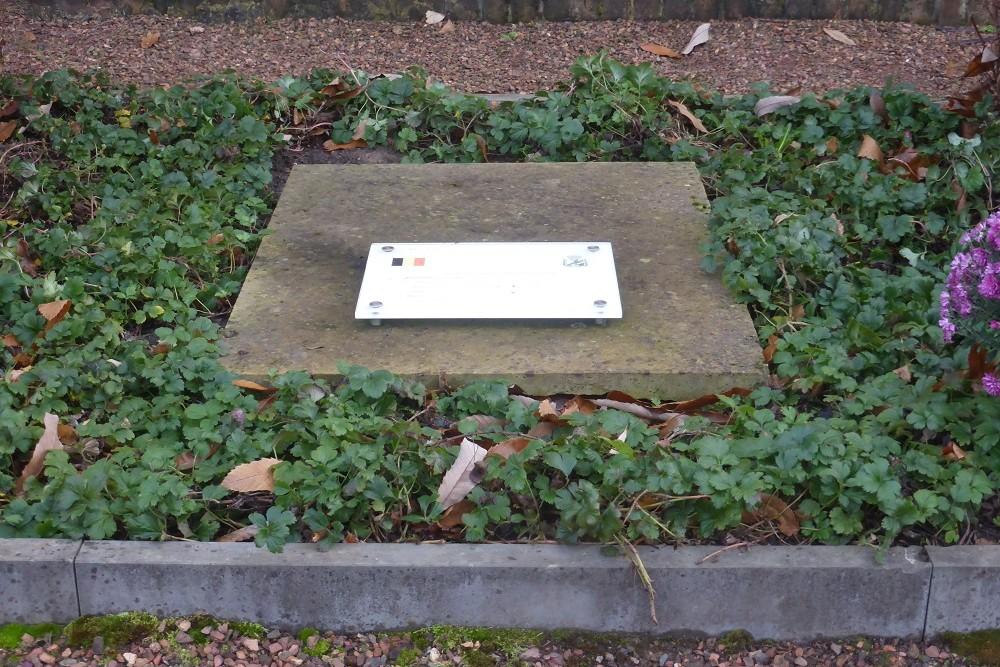 Belgian War Grave Belgisch Oorlogsgraf Gijzenzele