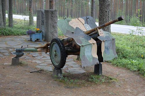 Memorial Swedish Volunteer Corps & Bofors 37 mm Gun
