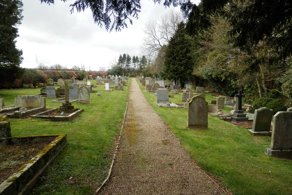 Commonwealth War Graves St. Margaret Churchyard