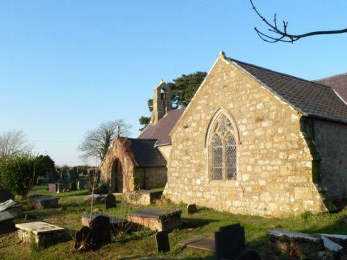 Commonwealth War Graves St. Beuno Churchyard