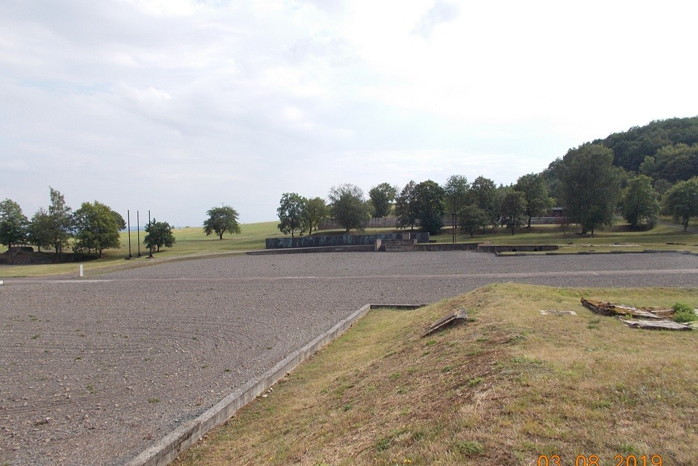 Appelplaats Concentratiekamp Mittelbau-Dora