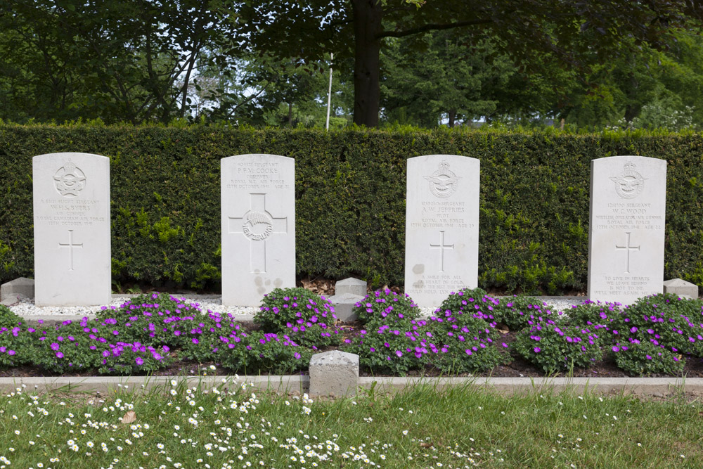 Commonwealth War Graves General Cemetery Emmeloord