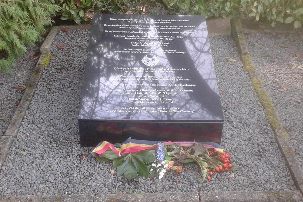 Memorial Stone Fallen British and Scottish Soldiers